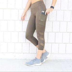 Pants - Mesh Pocket Active Capri's